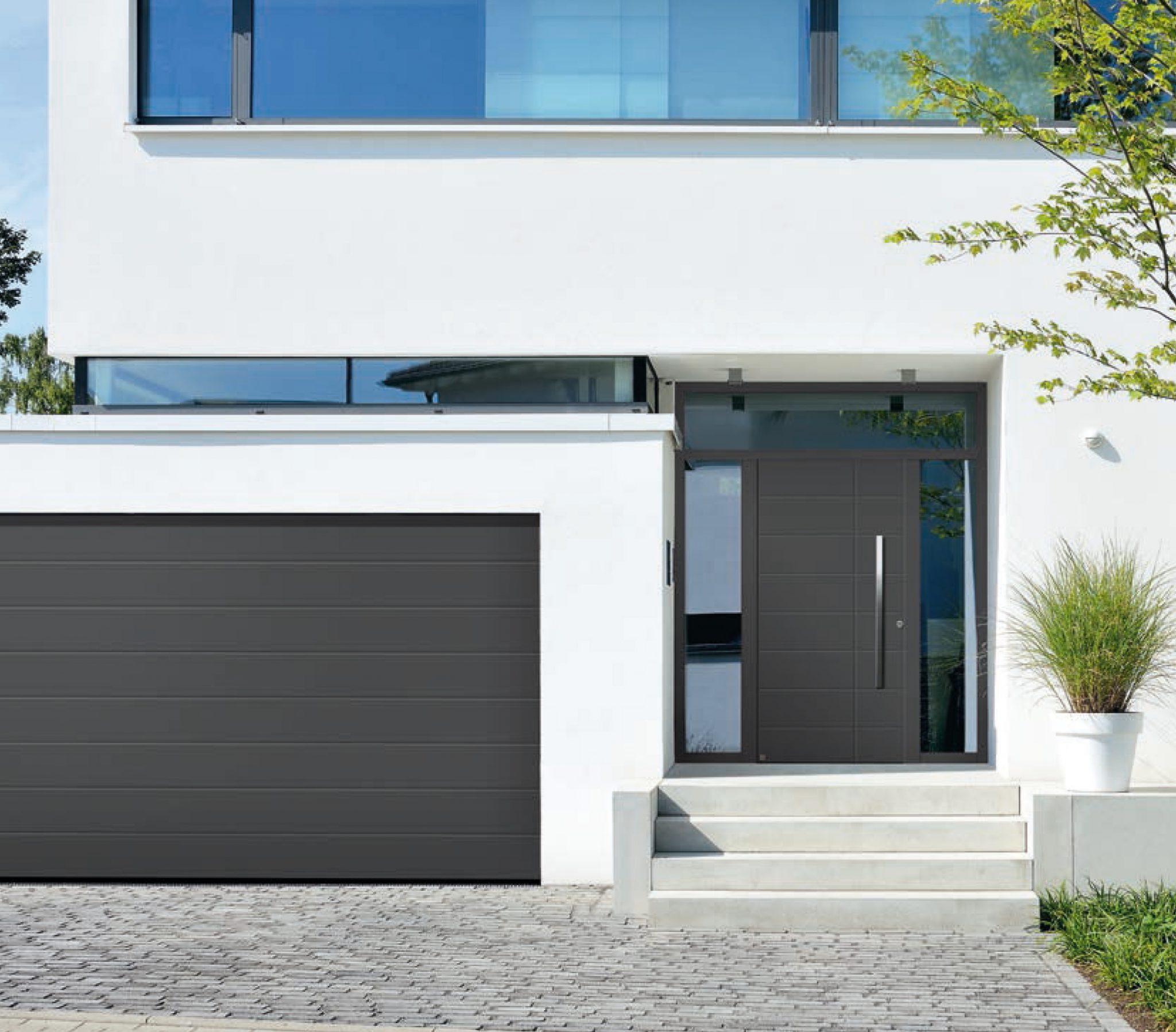 Porte de garage sectionnelle sur mesure guermonprez - Porte garage sur mesure ...