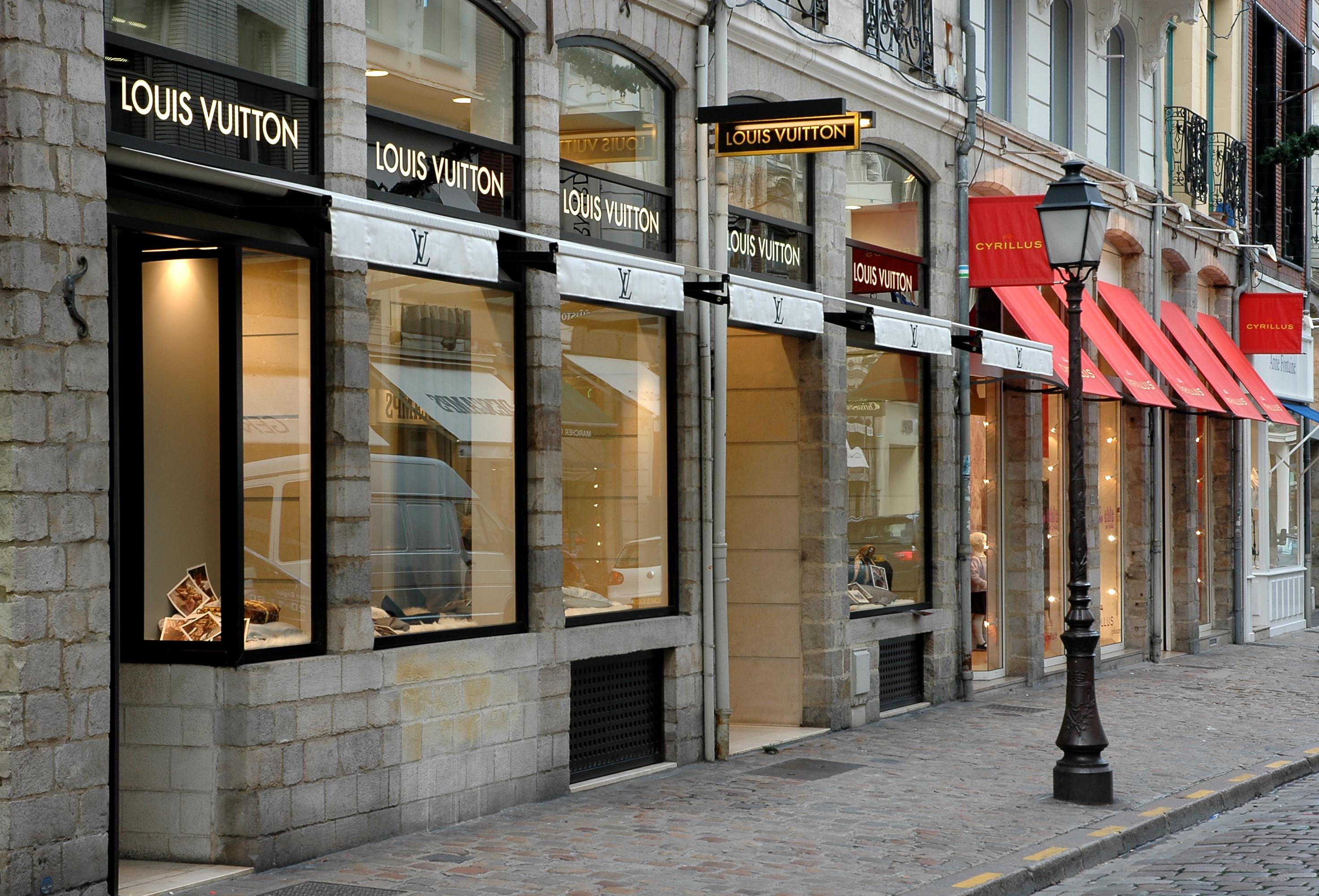 Voile D Ombrage Pour Store Banne stores extérieurs sur mesure pour commerce - guermonprez